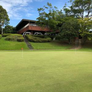 ゴルフに行ってきましたー!