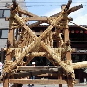 祇園祭、山鉾建てへ