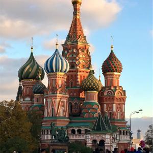 ロシア個人旅行で役に立ったもの。プリペイドSIMカードとUBERとGoogle辞書と美術館等のチケット予約と女性は頭髪を隠すスカーフも