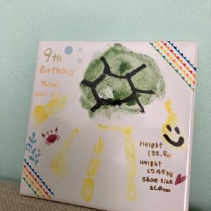 お誕生日恒例の手形アートレッスン