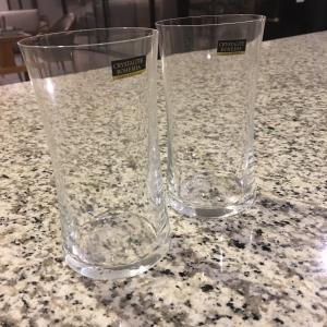 ポサダ(クリスマスパーティー)の季節には、ぺらぺらのグラスを購入。