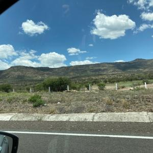 アグアスカリエンテスへの道のりは、ちょっとした事件だらけ。