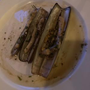 アルゼンチンの細長い貝navajas (ナバガス)を、アヒージョで食べた!