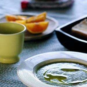 ケールとヨーグルトのスープ コーヒーかす