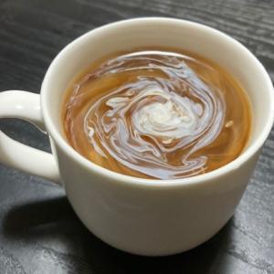 美味しい珈琲の飲み方――ミルクを入れて掻き混ぜない――