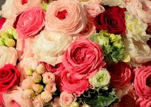 「ダーズンローズ」12本のバラを使ってロマンチックで感動的な人前式を!