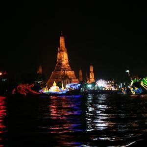 タイのお盆 ロイカトゥーン