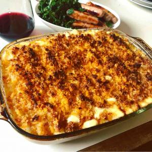The Best Baked Mac & Cheese