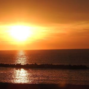 見えなかった瀬波の夕日