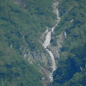 今朝の日暮しの滝    五月三十日の当ブログの滝が<br />