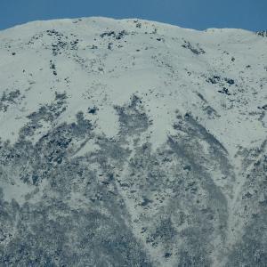 雪型の島田娘の部分に似て