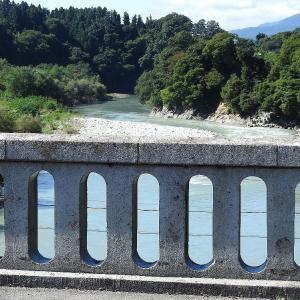 太平洋に行く天竜川の水   昨日  画像2回クリック 大きくなります