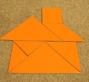 タングラムのパズルで、図形に慣れて、強くなる。
