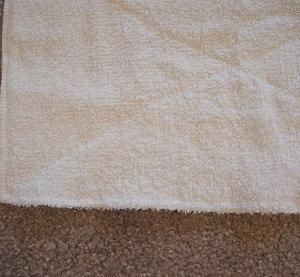 絞りやすくて、乾きやすい。1枚のタオルから、雑巾を2枚作る方法。