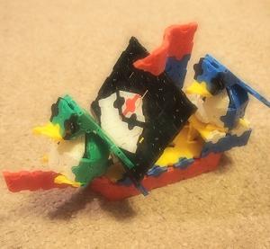 作ったあとは、ひとりで遊んでくれて楽になる。知育ブロック「LAQ」で、大物づくりに挑戦!