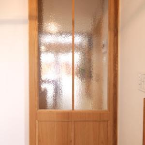 厚木市妻田の家☆「すりガラスのリビング引戸」竣工写真から