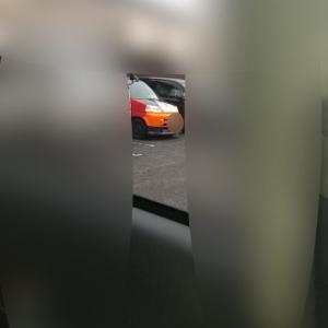 これってジョ―ブ〇グさんの車じゃね?