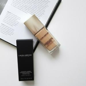 光を味方につけ、どんな環境でも美しいツヤ肌に♡ ローラメルシエ 名品ファンデーション♡