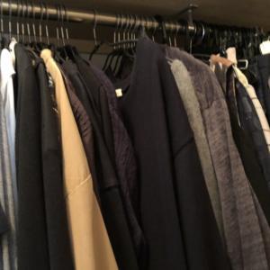 たくさんあるのにまた服を買ってしまう人の心理。