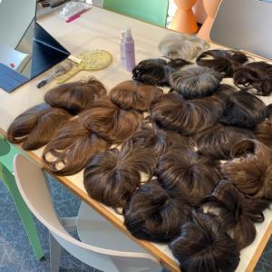 コロナストレスで脱毛症・抜け毛に悩むお客様のウィッグのご試着が増えています。