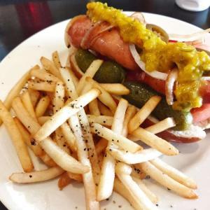 食レポ シカゴスタイルホットドッグを食べてみた 五香 J&N American Dinner