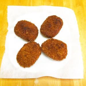 【男飯】コロッケ、なすのトマト味噌炒め