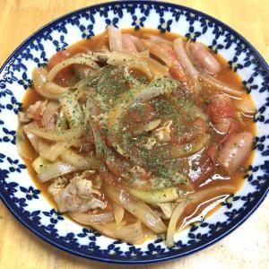 ポークケプチャ、小松菜とベーコンのオイスターソース炒め、干し魚のみりん干し