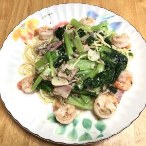 海老とベーコンと小松菜のペペロンチーノ、豚粕汁、切り干し大根