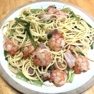 海老とオイルサーディンのペペロンチーノ、しめ鯖サラダ