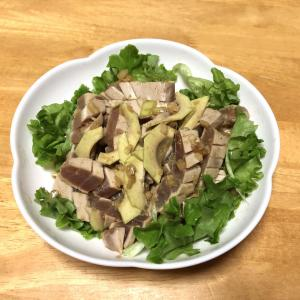 マグロとアボカド、さつまいもの甘露煮、ブロッコリーの胡麻和え