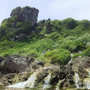 慶座絶壁の滝 続き