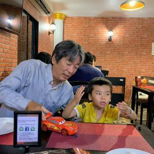 家族でお食事♪お誕生日なのでトマホークステーキだ~!@Joe & Kodi Cafe