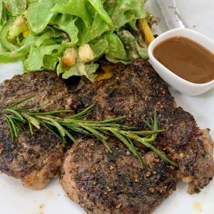 家族でお食事♪嫁の大好きな牛ステーキが値上げか?!@Joe & Kodi Cafe
