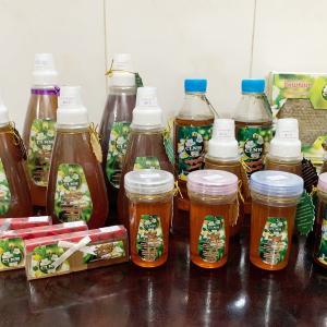 当店でカンボジア産の蜂蜜(知人の委託)を販売しています。