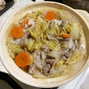 白菜と豚肉のシンプル鍋。