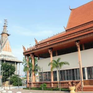 Kodom Rangsey Pagoda プノンペン国際空港の南のお寺さんです。