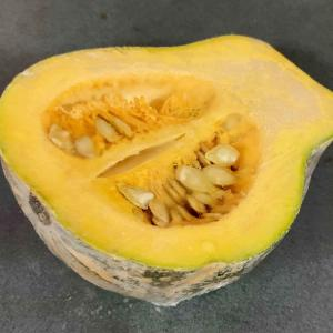 カンボジアのカボチャ、ごはんを炊く時にかぼちゃをいっしょに。