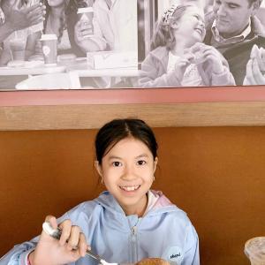 Krispy Kreme スタンダード(定番)なドーナツ屋さん。