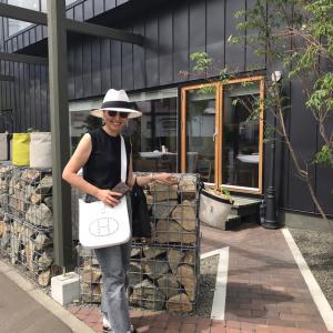 レディ東京サイト版【マダムのり子のおしゃれの哲学】8月号発行中