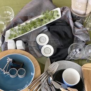 アイテムチャレンジ23−②(ブルー陶器皿とニゲラ)