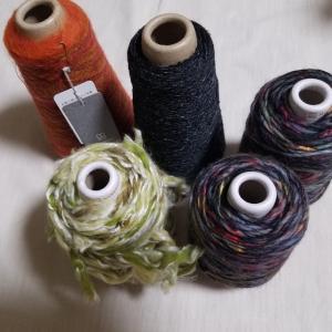 ちょこちょこと糸買っちゃってます。