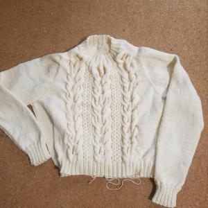 ZARAで編んでるTSUBAKIセーター