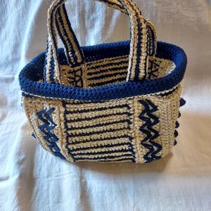 毛糸だま最新号から夏バッグ編みました。