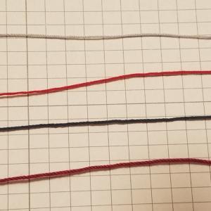 毛糸ピエロさんパレットと他糸との比較