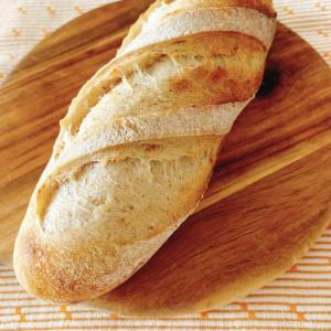 イチゴ酵母でパンを焼きました