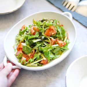 材料4つ!旨味掛け算の絶品サラダ【ルッコラとトマトの塩昆布サラダ】