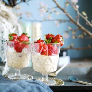 みてるだけでもワクワク楽しいイチゴプリン♡プルルン食感がたまらんっ✴︎簡単!ゼラチンプリン