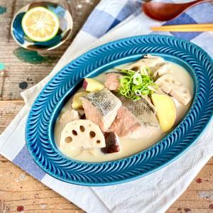 秋鮭×秋の味覚コラボなごちそうレシピ!豆乳仕立てのホッコリごちそう味噌汁 