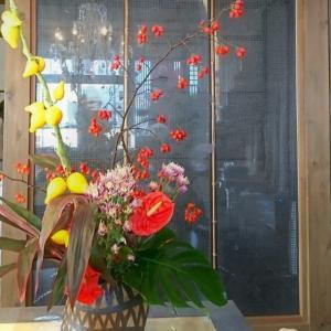 秋のお花とハロウィン風のオブジェを(インパクトドリルを使って)
