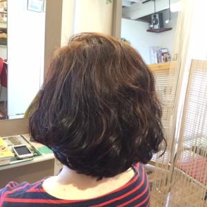 くせ毛を活かすヘアスタイルをカットでつくる!